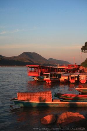 Atardecer sobre el río Mekong, a orillas de Luang Prabang