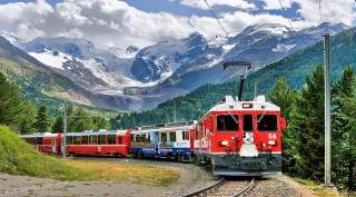 La belleza del tren histórico de Los Alpes